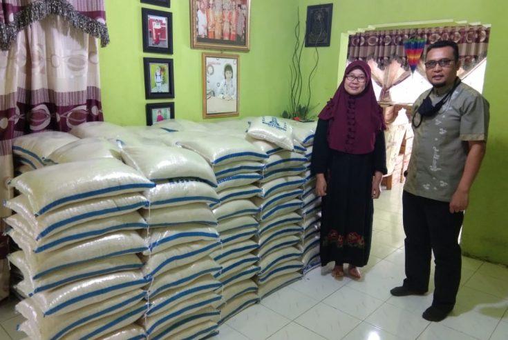 Bantu Warga Terdampak Covid-19, Perantau Pakan Sinayan Salurkan 850 Paket Sembako