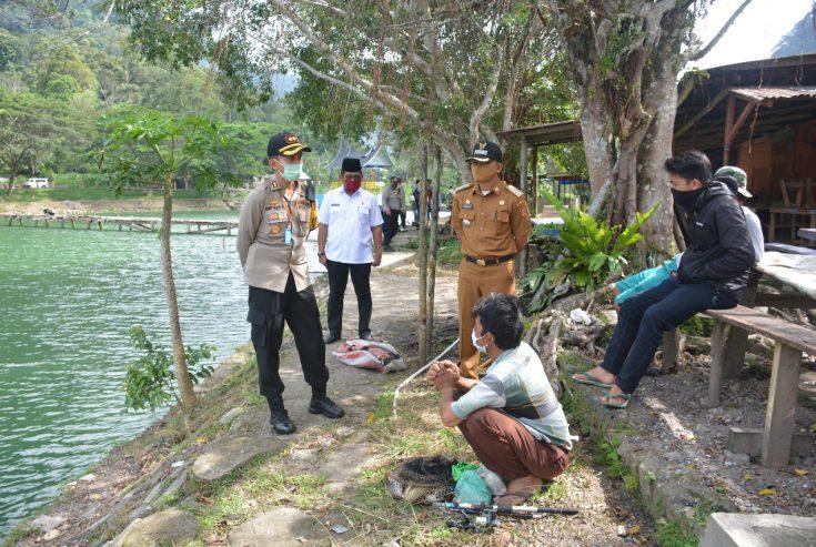 Polres Agam Bubarkan Warga yang Memancing di Danau Maninjau, 10 Diantaranya Diamankan