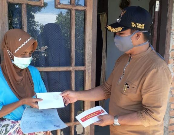 1.150 KK di Nagari Koto Tangah Terima BLT Pemkab Agam