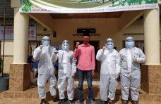 Mahasiswa KKN UNRI Semprotkan Disinfektan di Pasar dan Rumah Ibadah