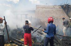 Rumah Semi Permanen di Panampuang Hangus Terbakar