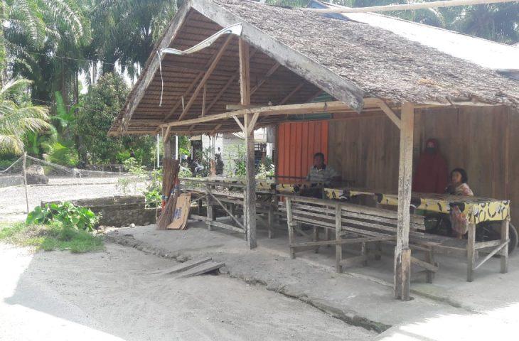 Pagi Ini Tim dari Kecamatan Kunjungi Rumah Pasien Covid-19 di Kubu Anau
