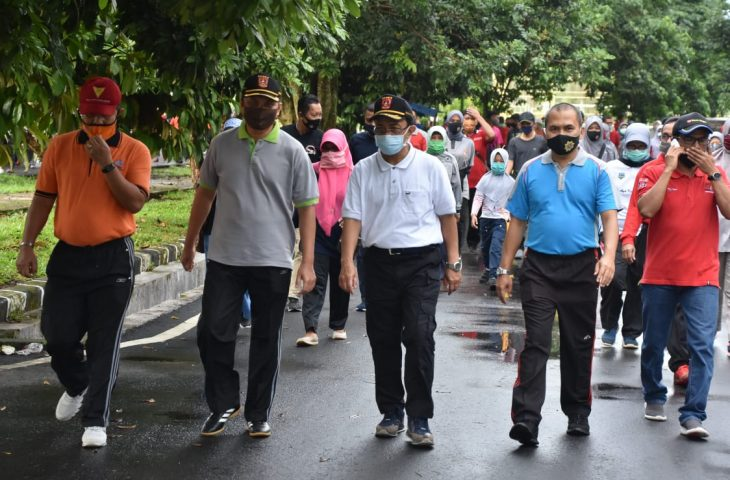 Jalan Santai HUT ke-27 Kepindahan Ibu Kota- Bupati Agam: Boleh Lepas Rindu, Prokes Tetap Prioritas