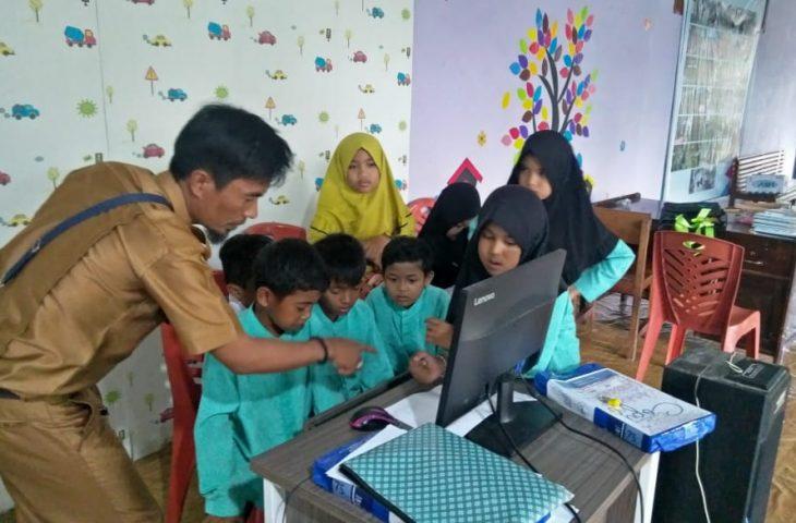 Pemnag Duo Koto Fasilitasi Anak Nagari Belajar Lewat Daring