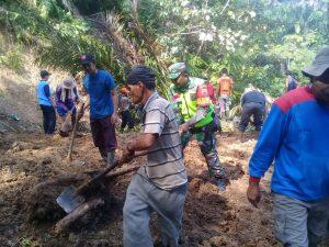Akses Malereang Tabiang -Padang Barabah Putiah Putus, TRC-PB BPBD Agam Lakukan Pembersihan