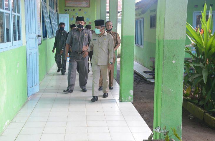 Hari Kedua Monitoring, Sekda Agam Cek Kesiapan Sekolah di Kecamatan Tanjung Mutiara