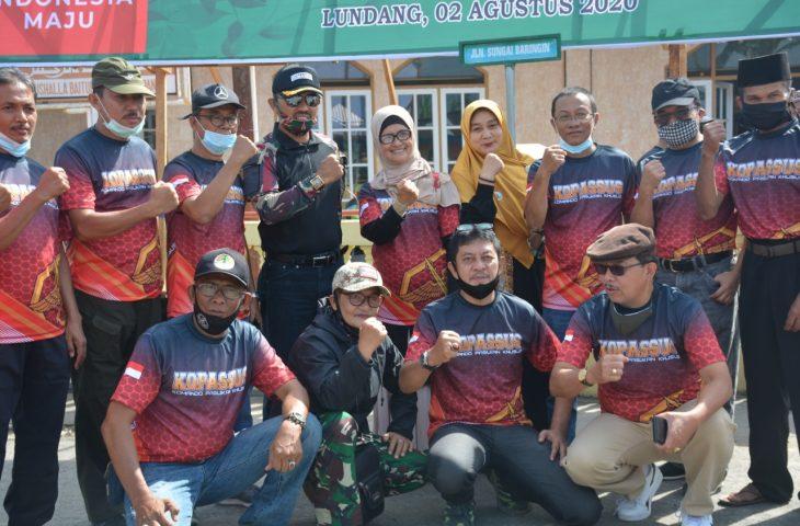Peduli Lingkungan dan Ekonomi Masyarakat, Alumni SMA Lambah Tanam Bibit Durian