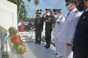 Usai Pimpin Upacara, Bupati Indra Catri Ziarah ke Makam Siti Manggopoh