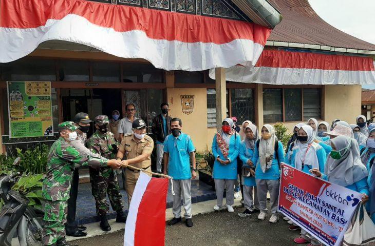 Kader KB di Kecamatan Baso Gelar Gerak Jalan Santai Meriahkan HUT RI