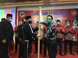 Indra Catri Kukuhkan Pengurus IKLA dan RMA Kota Batam