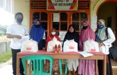 DaldukKB PPPA Agam Serahkan Bantuan Paket Pemenuhan Kebutuhan Perempuan dan Anak