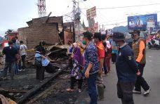 Dr. Indra Catri Bantu Korban Kebakaran Pasar Maninjau