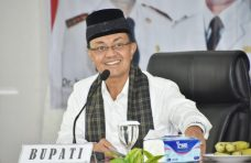 Lagu Ciptaan Dr. Indra Catri Diperlombakan di Kucindan Minang PadangTV