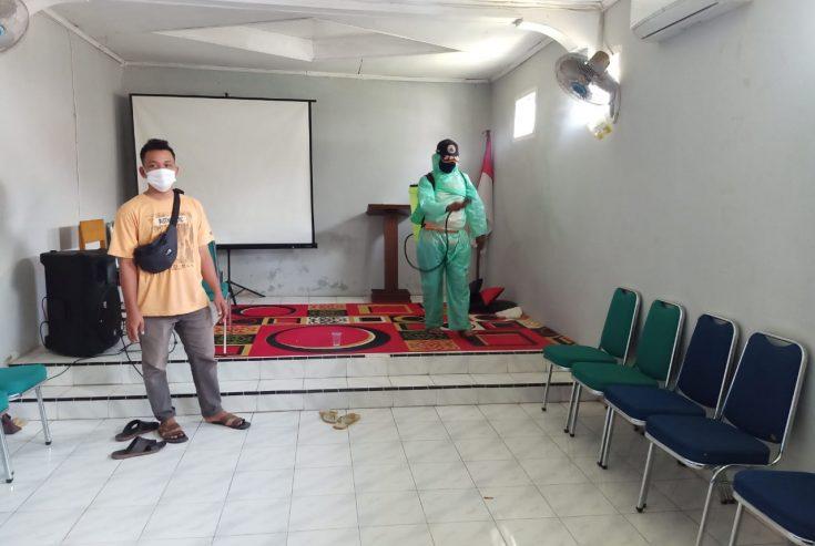 Gugus Tugas Tanjung Mutiara Semprot Disinfektan di Fasum