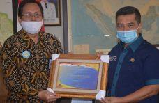 Pemkab Agam Terima Plakat dan Penghargaan WTP dari Kementerian Keuangan