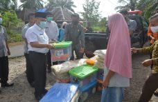Kunjungi Korban Puting Beliung, Pjs Bupati Agam Beri Bantuan dan Motivasi