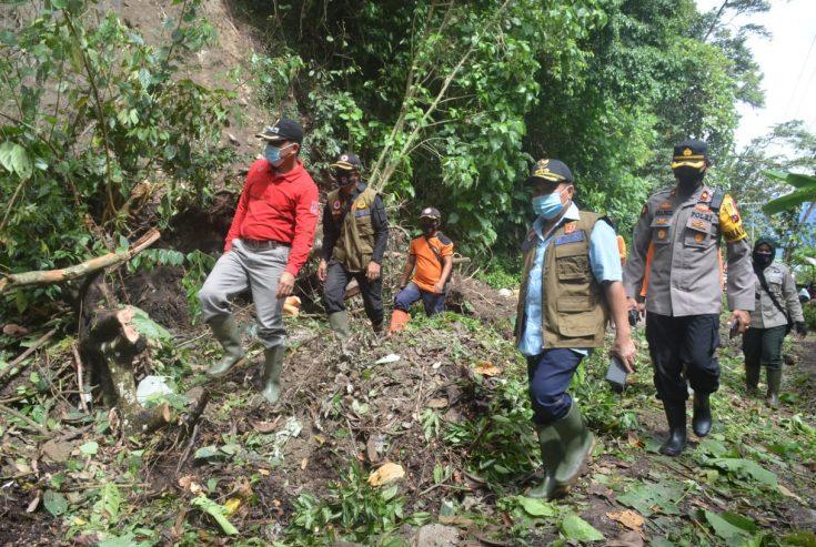 Pjs Bupati Agam Tinjau Lokasi Tanah Longsor di Tanjung Raya