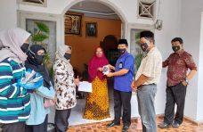 Ajak Disiplin Prokes, Pemnag Koto Panjang Bagikan Masker 4.500 Kepada Warga