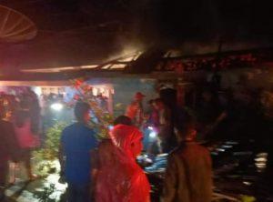 Ditinggal ke Luar Kota, Rumah Safri Terbakar di Koto Rantang