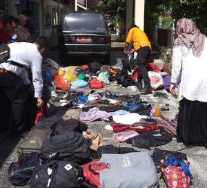 Pasca Musibah Laka Bus Pariwisata Pemkab.Agam, BPBD-Pol.PP Damkar dan Pro-KP Bantu Pengembalian Barang Korban
