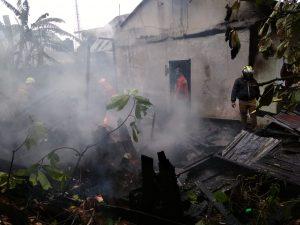 Kompor Meledak-1 Unit Rumah di Baso Terbakar