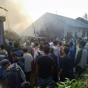 Satu Unit Mobil dan Heuler Terbakar di Palembayan