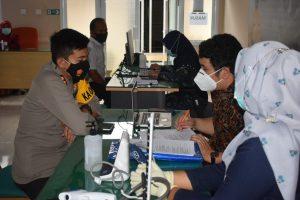 Personel Polri dan ASN Polres Agam Jalani Vaksinasi Covid-19