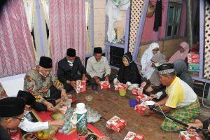 Singgah Sahur di Rumah Warga Magek, Gubernur Sumbar Salurkan Bantuan Renovasi Rumah