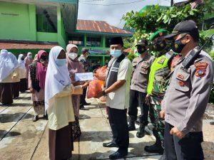 Camat IV Koto Salurkan Santunan Ramadan Kepada 33 Anak Yatim