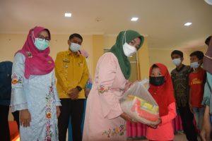LKKS Agam Kembali Salurkan Paket Sembako Untuk Anak Yatim