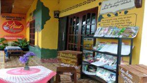 Memetik Inspirasi dari Sry Eka Handayani, Penggiat Literasi Rumah Baca Anak Nagari