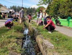 Masyarakat Jorong Pasia Tiku Goro Bersihkan Lingkungan