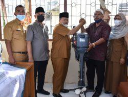 Nelayan Tiku Dapat Bantuan 34 Unit Mesin Tempel